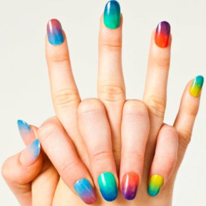 Cùng học cách vẽ nail cầu vồng