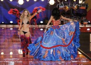 """SHOW DIỄN VICTORIA'S SECRET: Những hình ảnh """"nóng bỏng tay"""
