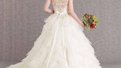 Guu váy cưới kiểu cách từ Veluz Reyez