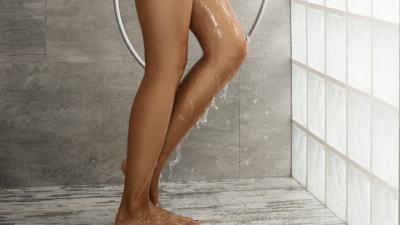 Cơ thể nhiều mụn là do hàng ngày bạn đã tắm sai cách