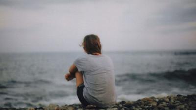 Điều khiến em sợ nhất là bị bỏ rơi, và người khiến em có cảm giác đó là anh...