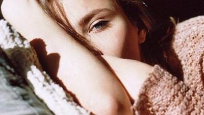 Sẽ có ngày nghĩ về anh, mắt em không còn buồn, tim em không còn đau...