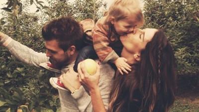 Dù cả thế giới có quay lưng, thì vẫn luôn còn bố mẹ ở bên con...