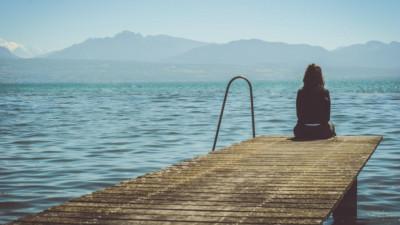 Buồn thì có buồn, đau lòng thì có đau lòng, nhưng tiếp tục yêu thì em không muốn nữa...
