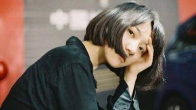 Một cô gái dám khóc khi buồn còn mạnh mẽ hơn người cố chấp giấu đi cảm xúc...