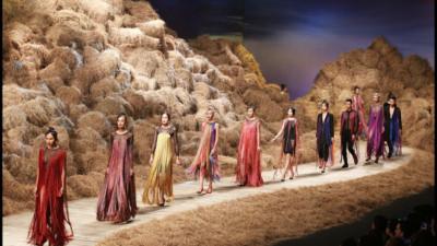 7 sân khấu thời trang Việt đẹp hoành tráng và đầu tư kỳ công nhất năm 2016