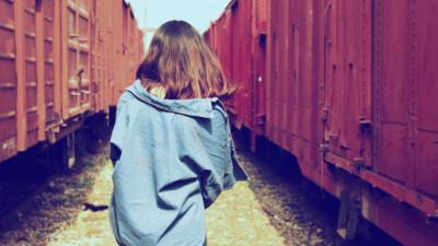 Người ta chỉ đánh đổi tuổi xuân dành cho người mình yêu chứ không dành cho người mình thương hại...