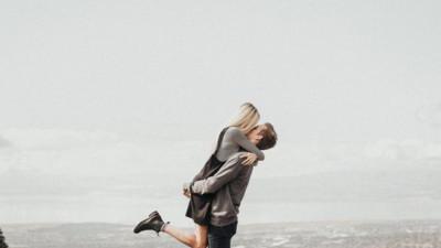 Có yêu đến mấy thì con gái cũng chớ dại làm 5 điều này vì người yêu