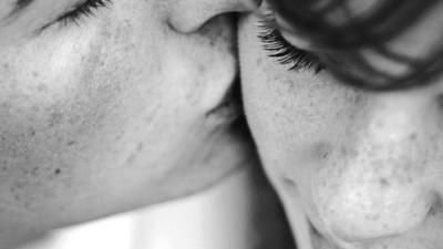 Nếu đang yêu, hãy trân quý những tháng ngày bên nhau...