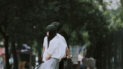 Còn nỗi đau nào hơn nỗi đau chia tay người mình còn yêu?