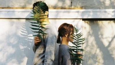 Chúng ta chỉ im lặng rời xa nhau...