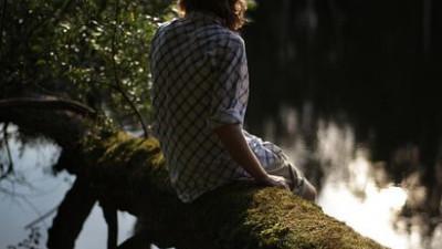 Bị bỏ rơi là cảm giác tuyệt vọng nhất mà không cô gái nào muốn trải qua...