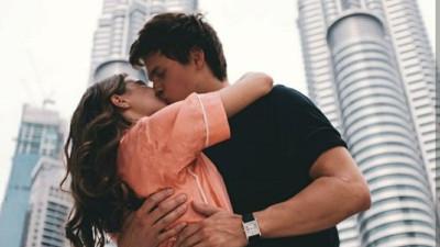 Có những người chỉ có thể ở trong tim ta chứ không thể cùng ta đi hết cuộc đời...