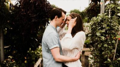 7 kiểu ôm thông thường tiết lộ những gì về mối quan hệ của bạn?