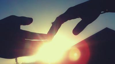 Khi quá đớn đau, trái tim sẽ tự chai lỳ để bảo vệ chính mình...