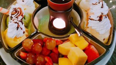 Hà Nội cứ nóng mãi thế này thì ăn gì vừa giải nhiệt, vừa được tự chọn thoải mái nhỉ?