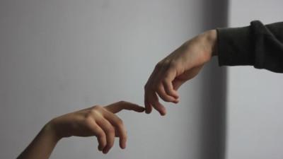 Cậu thích tôi, nhưng tôi lại không thích cậu, hai chúng ta đều là kẻ thất tình...