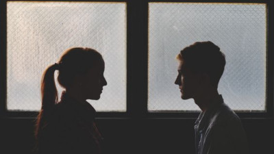 Ta còn phải giả vờ hết yêu người đến bao giờ?