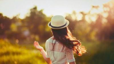 Độc thân không phải là ế mà là đang đợi người tử tế để yêu thôi