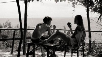 Yêu là chuyện hai người, nhưng kết hôn là chuyện gia đình, muốn cưới, phải xem gia cảnh nhà người ta trước