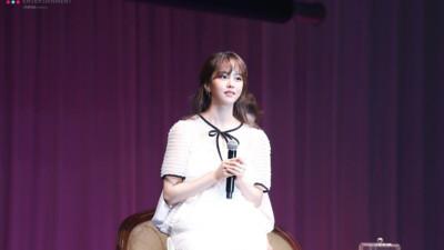 Da trắng như tuyết – Môi hồng tầm xuân! Kim So Hyun giờ đã 'đẹp khó tin' thế này rồi!