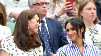 """Công nương Kate và Meghan """"tâm đầu ý hợp"""" khi lần đầu xuất hiện cùng nhau không có chồng hộ tống"""