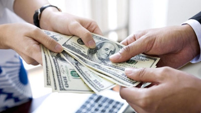 """Tiền, khi cho vay là """"bằng hữu"""", khi đòi lại là """"kẻ thù"""": Đã bao người rơi vào tình huống này?"""