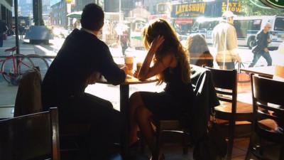 Sống với chồng vô tâm, đàn bà khôn ngoan phải vô tâm gấp bội, đừng chỉ ngồi đó chịu đựng rồi oán trách