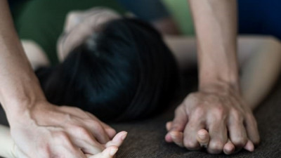 Khởi tố, bắt tạm giam 9x dùng nước hoa kích dục hiếp dâm chị họ của vợ đang là sinh viên