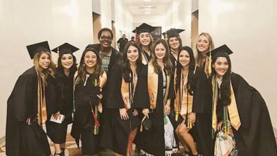 """9X Việt """"tốt nghiệp xuất sắc"""" được Viện ung thư hàng đầu thế giới giữ lại làm việc"""