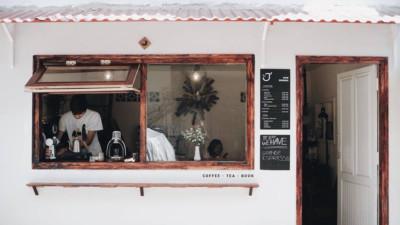 Mùa nào thì Đà Lạt cũng không thiếu những quán cà phê xinh xắn để bạn tha hồ lê la cả ngày không chán