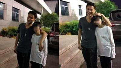 Hình ảnh hiếm hoi Tạ Đình Phong về Hong Kong thăm Trương Bá Chi và 2 con trai