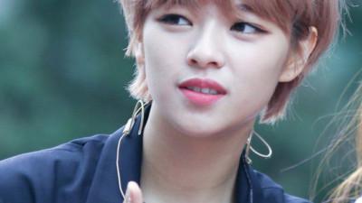 Jungyeon mà cứ tiếp tục nuôi tóc dài thì chẳng mấy chốc, Tzuyu sẽ mất vị trí visual trong Twice