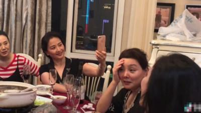 """Nhan sắc """"lão hoá ngược"""" của mẹ Lưu Diệc Phi: U60 mà vẫn đẹp khó tin, khiến netizen tranh nhau nhận làm """"mẹ vợ"""""""