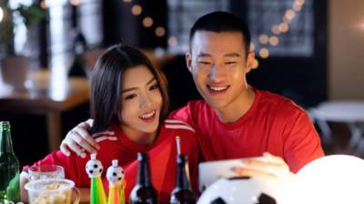 """Tỏ tình theo kiểu """"dù Việt Nam thắng hay thua thì hãy yêu nhau nhé"""", chàng trai nhận ngay cái kết bất ngờ"""