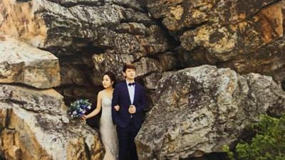 """Album cưới trao tay, cô dâu Hải Phòng rùng mình phát hiện """"dấu vết của người lạ"""" chiếm trọn spotlight bộ ảnh để đời của mình"""