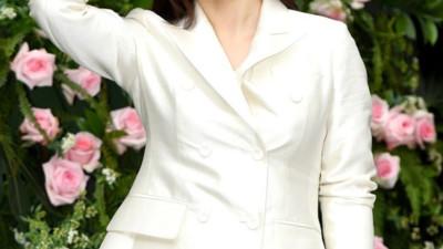 Người yêu cũ của So Ji Sub -  Kim Hyun Joo bất ngờ tái xuất, vẫn xinh đẹp rạng ngời dù đã bước qua tuổi 41
