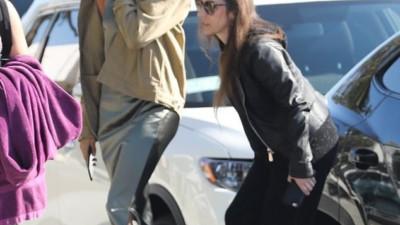 Từng quý mến Selena nhưng mẹ Justin Bieber lại làm điều này với con dâu mới thay vì tình cũ của con trai