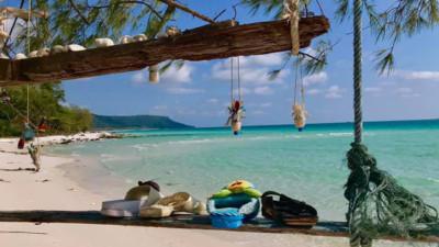 Ai cũng trầm trồ vì  Thái Lan biến rác trở thành vật trang trí duyên dáng cho bãi biển, dân mạng Việt chỉ để ý đôi dép tổ ong