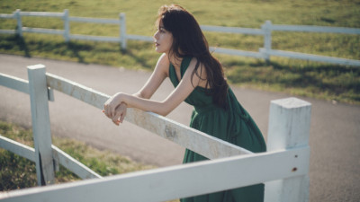 Đàn bà mới ly hôn: Vui ngay thì chưa thể, cứ bình yên trước đã