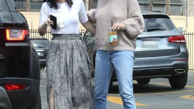 Xôn xao trước loạt hình ảnh phát tướng bất thường của Selena Gomez, nữ hoàng Instagram một thời nay còn đâu?