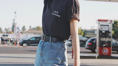 """Áo phông màu trung tính chính là """"bảo bối"""" của nàng ngoài 30 tuổi: Vừa trẻ trung, vừa không sợ bị chê """"cưa sừng làm nghé"""""""