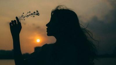 Mỗi mối tình đẹp đều là dưỡng chất, dù có chia lìa, cũng sẽ đi cùng bạn suốt quãng đời còn lại