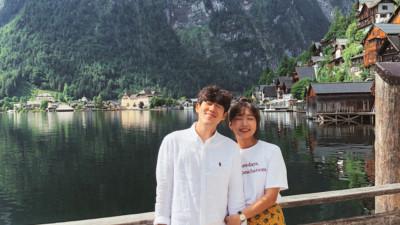 """Học cách pose dáng như cặp đôi người Hàn này, đảm bảo có ngay loạt ảnh du lịch đáng yêu """"không trượt phát nào"""""""