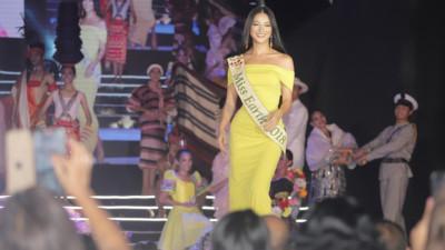 Trở lại với tư cách quan trọng, Phương Khánh gây náo động Miss Earth thế giới vì nhan sắc cực thần thái