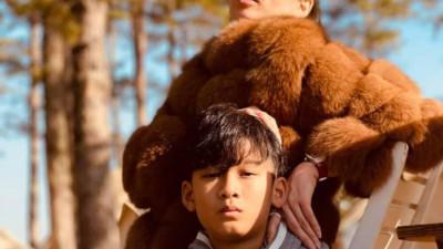 Lệ Quyên tự hào về con trai 10 tuổi đã khí chất như soái ca: Người chụp ảnh là Lâm Bảo Châu?