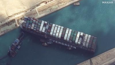 Thế giới mất 9200 tỉ đồng mỗi giờ vì một con tàu mắc kẹt phía bên kia đại dương: Chuyện kinh hoàng gì đã xảy ra?