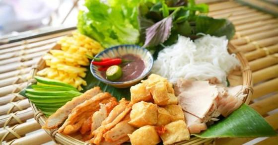 13 địa chỉ ăn uống được khách Tây mách nhau phải thử khi đến Hà Nội